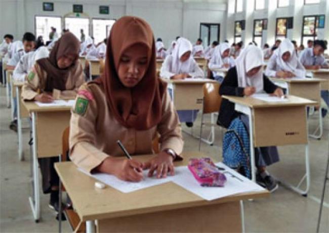 Beasiswa Pendidikan Jamin Masa Depan Mahasiswa Kuansing