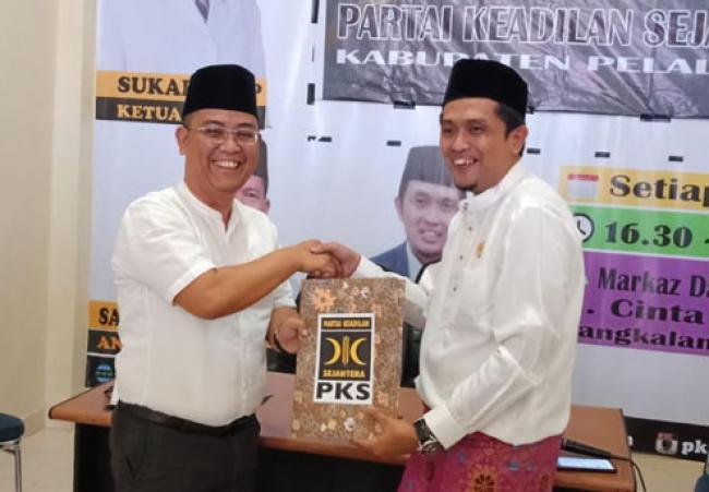 Maju di Pelalawan 1, Budi Artiful Putra Sulung HM Harris Resmi Daftar Ke PKS