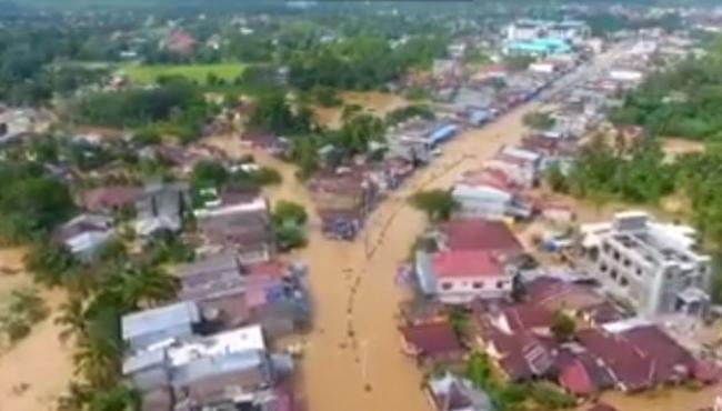 Batang Lubuh Meluap, Kabupaten Rokan Hulu Dikepung Banjir