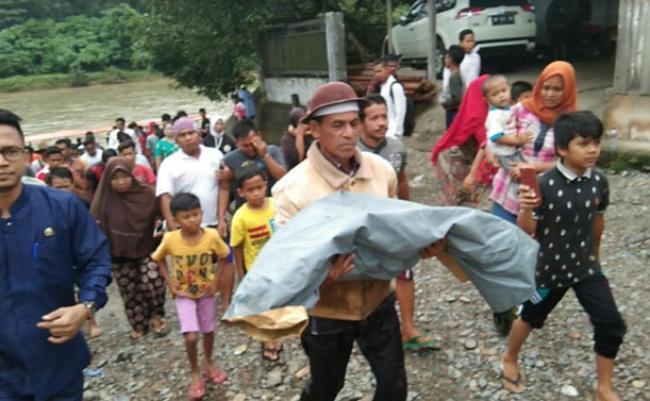 Jasad Bocah yang Hanyut di Sungai Rokan IV Koto Ditemukan