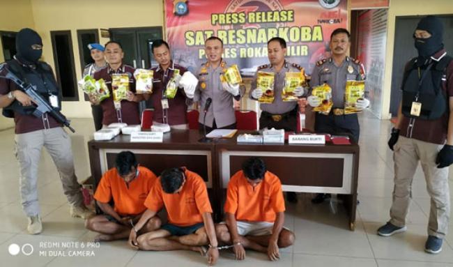 Bawa 15 Kg Shabu dari Malaysia, Tiga Warga Rohil Terancam Hukuman Mati
