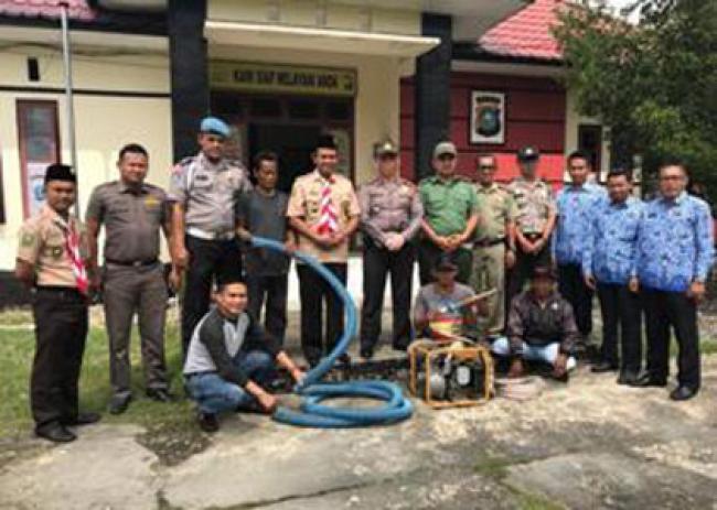 Danramil 08/Mandah dan Polsek Mandah Ikuti Pelatihan Damkar
