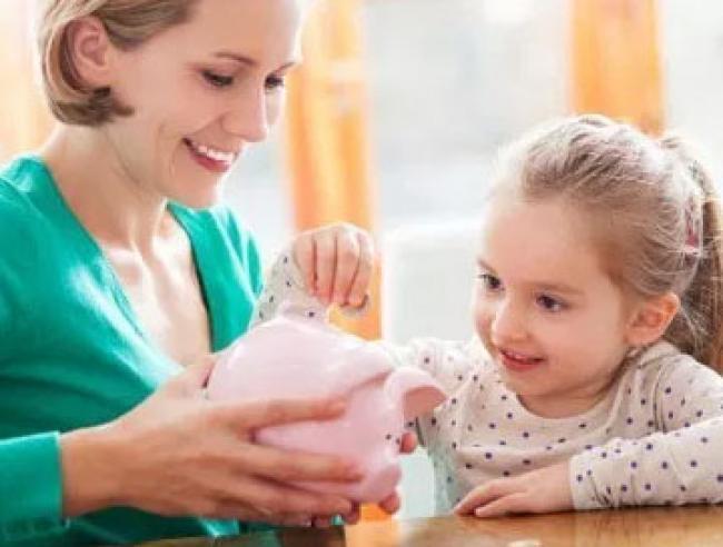 Ini Manfaat Mengajarkan Menabung Kepada Anak Sejak Dini