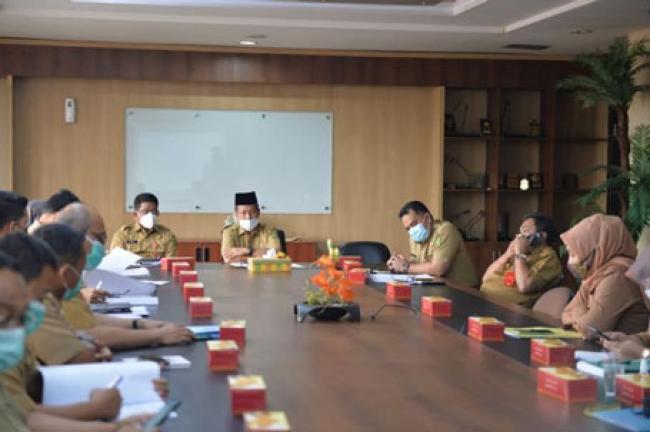 Plh Sekdaprov Riau Pimpin Rapat Rancangan Pergub Tentang Tambahan Penghasilan PNS