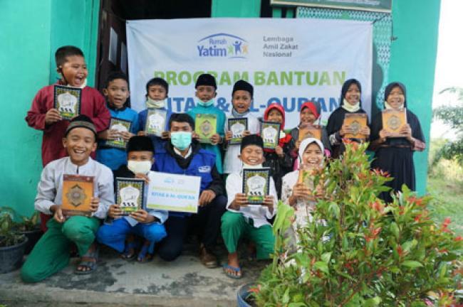 Rumah Yatim Berikan Bantuan Pendidikan Agama untuk MDTA Hubbul Khairiyah Riau