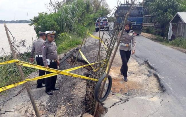 Di Inhu, Angkutan Batubara Jadi 'predator' Jalan Lintas Kualacenaku