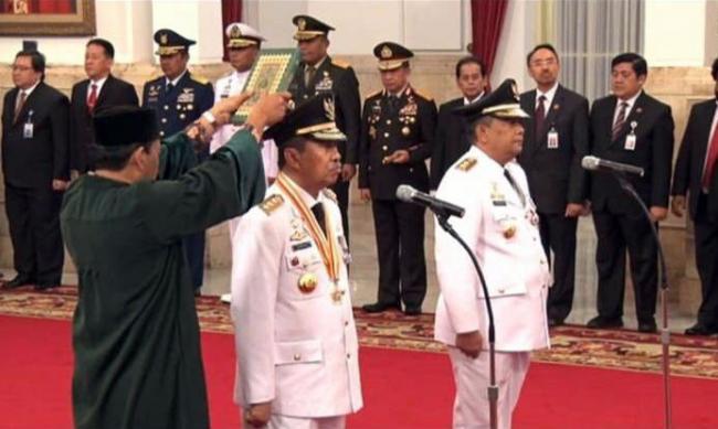 Syamsuar-Edy Nasution Resmi Dilantik Jadi Gubernur dan Wakil Gubernur Riau