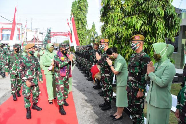 Danrem 031/Wira Bima Dampingi Pangdam I/Bukit Barisan Kunjungi Batalyon Arhanud 13/PBY
