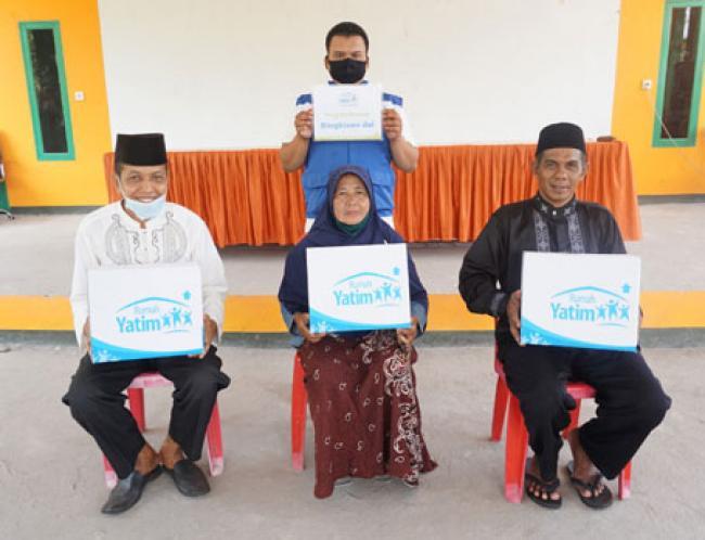 Bantuan Pendidikan dan Kemanusiaan Rumah Yatim untuk Warga Desa Pambang Pesisir Riau