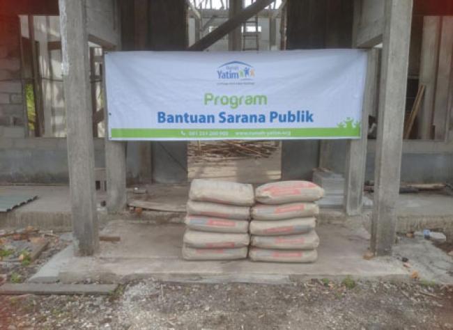 Rumah Yatim Berikan Bantuan Sarana Publik Mushola Nurul Hidayah dan Santunan Da'i Desa Pambang Pesisir Riau