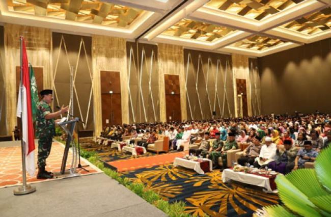 Panglima TNI Silaturahmi dengan Tokoh Lintas Agama se-Provinsi Riau