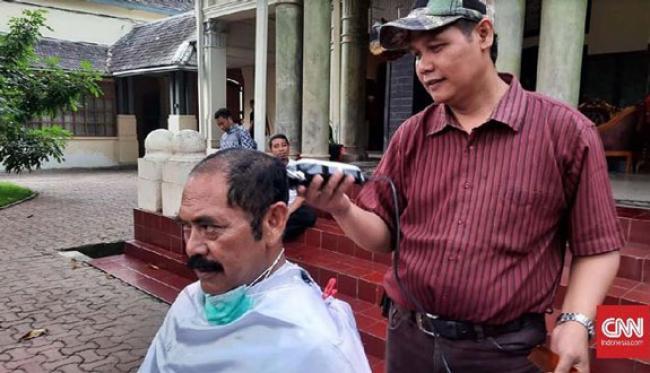 Wali Kota Solo Gunduli Rambut untuk Tolak Corona