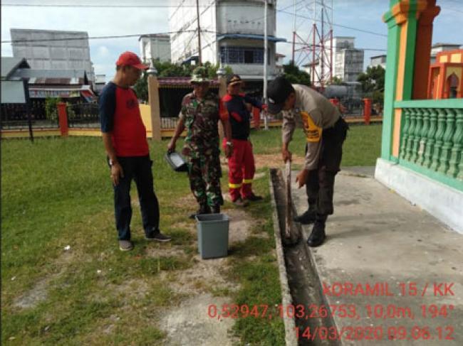 Koramil 15/Kuala Kampar Kodim 0313/Kpr Dan Polsek Sosialisasi Cegah Virus Corona