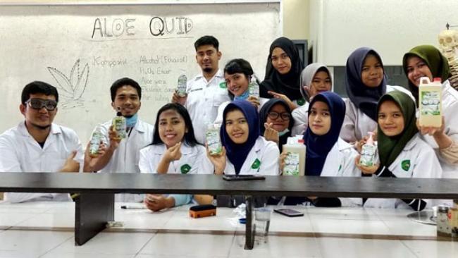 Berstandar WHO, Tim Dosen dan Mahasiswa Unilak Produksi Hand Sanitazer
