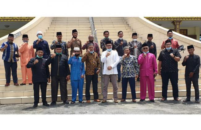 Silahturahmi Lembaga Adat Kenegerian Tapung dan LAM Riau berlangsung Khidmat
