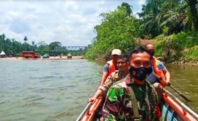 Diduga Ada Bocah Hanyut Terbawa Arus Saat Berenang di Sungai Batang Lubuh