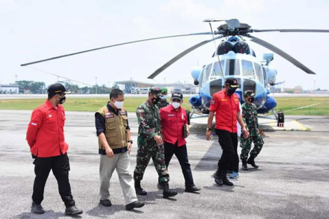 Patroli Karhutla, Danrem 031/WB Tinjau Pendinginan Lahan Terbakar di Riau