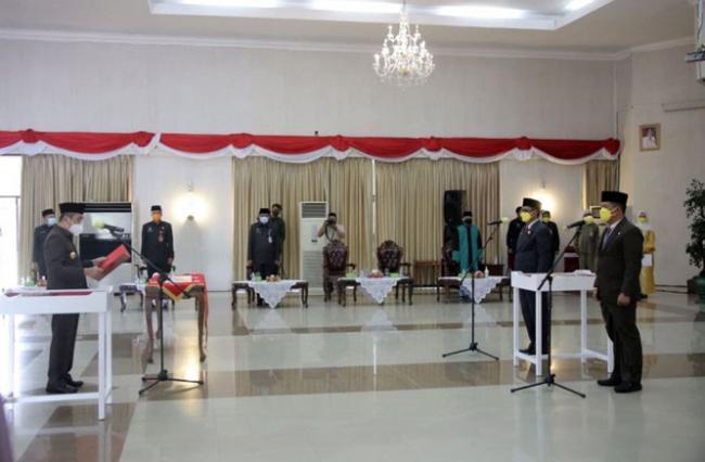 Gubernur Syamsuar Lantik dan Ambil Sumpah Kadishub dan Kepala BPBD Riau