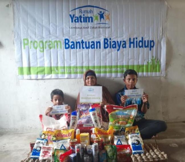 Bantuan Lanjutan Rumah Yatim untuk Ibu Yeni, Seorang Diri Nafkahi 3 Anaknya
