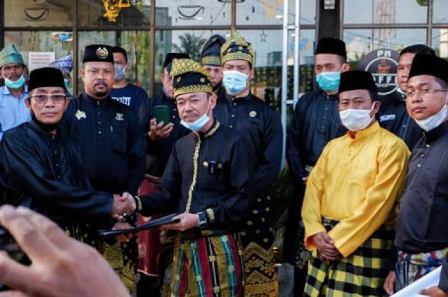 Bupati dan Wabup Rohil Terpilih Bersama Masyarakat Adat Melayu Tuntut Pengelolaan Blok Rokan