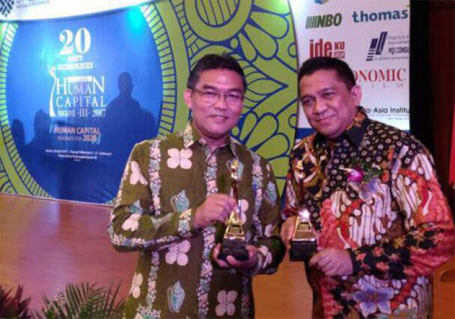 Dua Putera Riau Terpilih Sebagai The Big & Best 10 Human Capital Director Indonesia 2017
