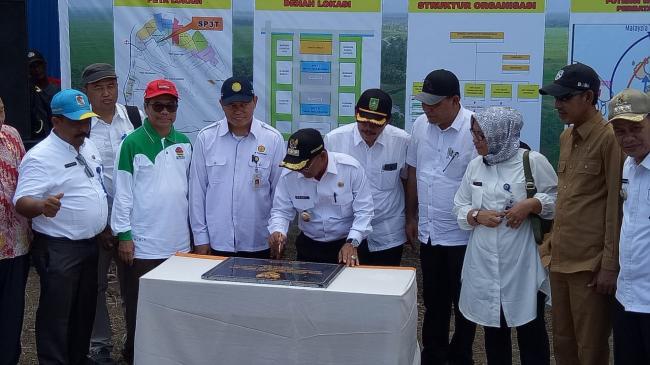 Tingkatkan Produktivitas dan Kesejahteraan Petani, Bupati Harris Resmikan SP3T Kuala Kampar