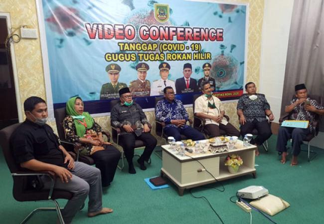 Bahas PSBB, Bupati Suyatno Lakukan Rakor melalui Video Conference dengan Sejumlah Menteri