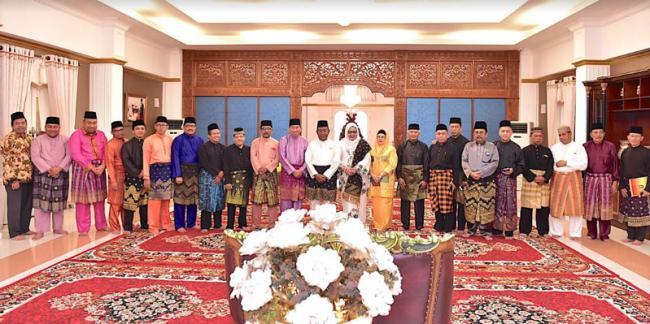 H Wan Thamrin Hasyim Terima Gelar Adat Datuk Seri Timbalan Setia Amanah