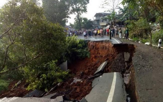PUPR Riau Siapkan Tiga UPT untuk Atasi Bencana Longsor Selama Mudik Lebaran