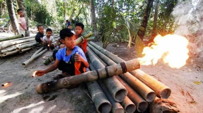 Lestarikan Tradisi, Desa Batu Hampar Akan Gelar Festival Meriam Bambu