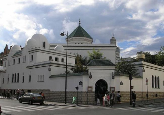 Masjid Raya Paris: Penghormatan untuk 100 Ribu Pejuang Muslim