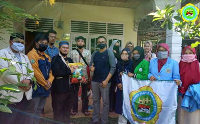 Himpunan Kampus Siak Bersatu Salurkan Sembako