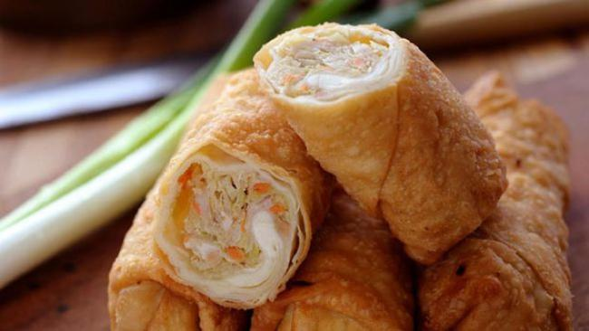Resep Berbuka Praktis ala Resto: Chicken Egg Roll
