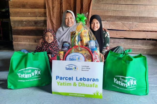 Rumah Yatim Bagikan Parcel Lebaran untuk Yatim Dhuafa di Pekanbaru