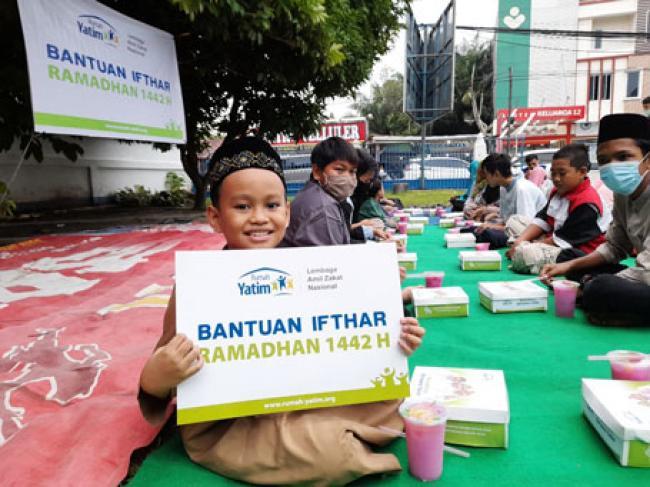 Dalam 2 Hari Rumah Yatim Riau Bagikan 100 Hidangan Berbuka Puasa