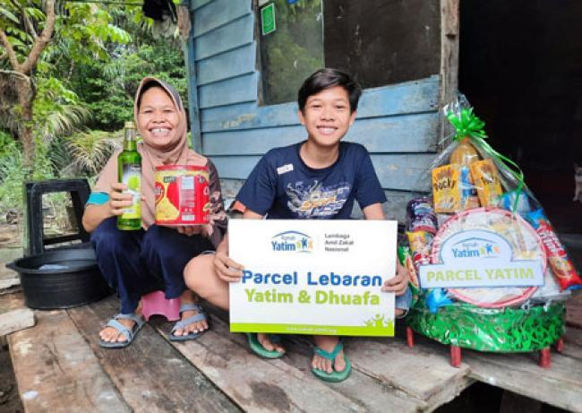 Parcel Lebaran Rumah Yatim untuk Ibnu, Yatim Dhuafa Asal Pekanbaru