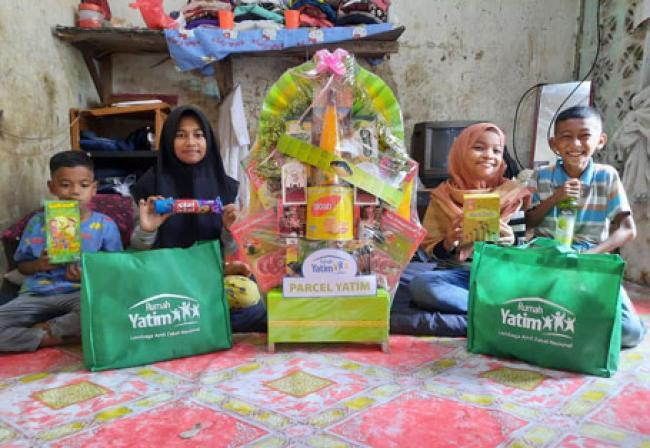 Rumah Yatim Bagikan Parcel Lebaran untuk Sindi, Geby, Riski dan Rafa, 4 Yatim Bersaudara asal Pekanbaru