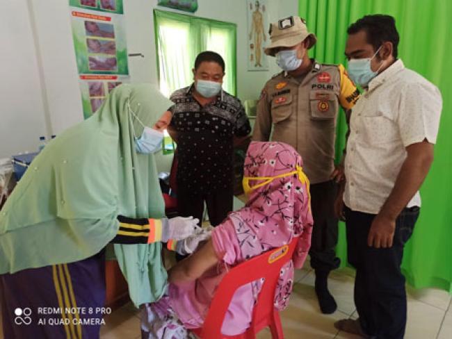Meski Hari Libur, Puskesmas Balai Jaya Tetap Gelar Vaksinasi Covid 19 Bagi Lansia