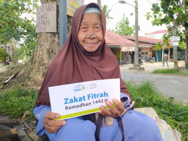 Rumah Yatim Bagikan Program Bantuan Zakat Fitrah untuk Keluarga Prasejahtera Kota Pekanbaru