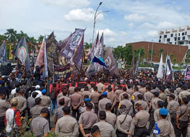 Ribuan Suporter Minta Gubernur Syamsuar Peduli PSPS Riau
