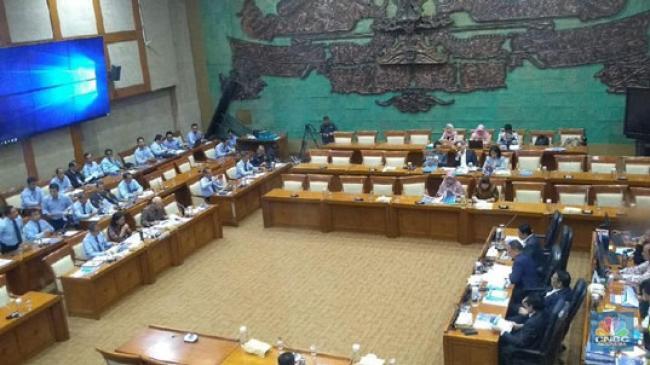 DPR Rapat dengan Sri Mulyani, BI, OJK Bahas Nasib RI 2021