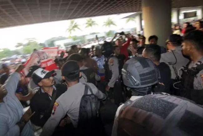 Kedatangan Neno Warisman Ditolak, Warga Batam: Jangan Ada Kegiatan Menghujat Presiden
