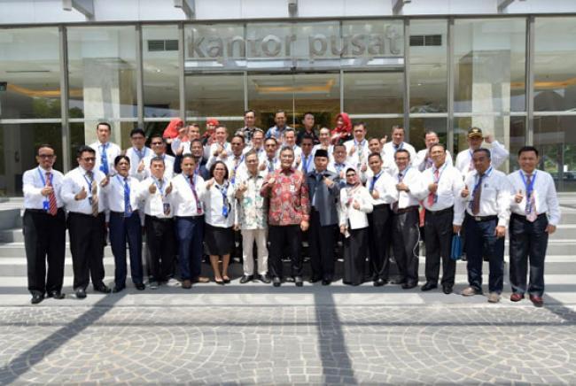 Pejabat Eselon III Kanwil Kemenag Seluruh Indonesia Melakukan Benchmarking Ke Bank Riau Kepri