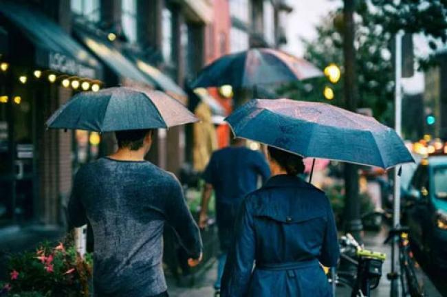 Mengonsumsi Air Hujan, Aman atau Tidak?