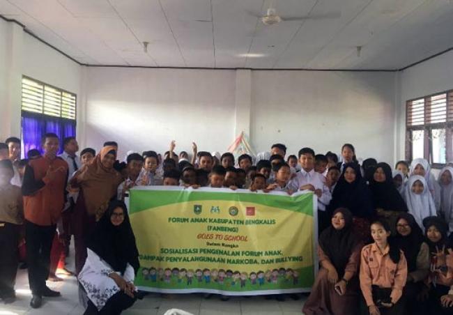Fanbeng dan Fanban gelar program Goes To School