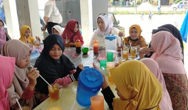 SYI`AR Sambangi Panti Asuhan Maimun, Ini Kiat Siti Aisyah Sukses Meraih Cita-Cita