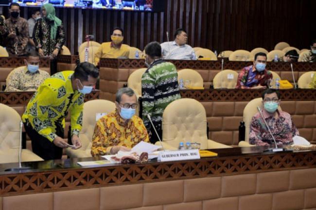 Abrasi Ancam 3 Pulau Terluar di Riau yang Berbatasan Dengan Malaysia