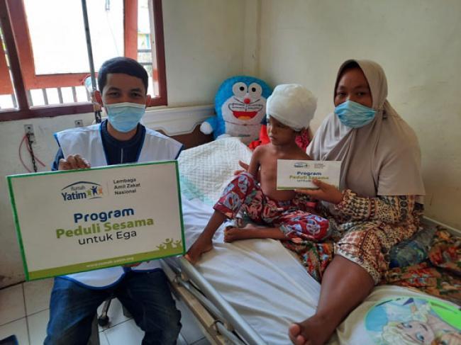 Rumah Yatim Bantu Ega, Bocah Kecelakaan Terlilit Mesin Pompong