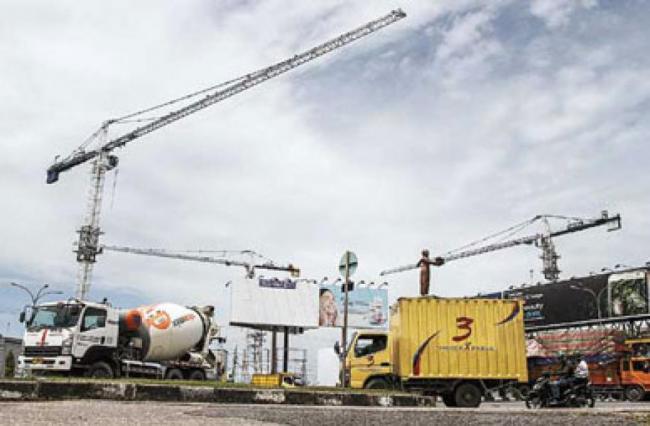 Dewan Minta Disnaker Stop Penggunaan Tower Crane di Simpang SKA