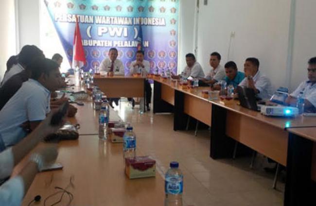 Diseminasi Informasi P4GN dan Proses Rehabilitasi, BNNK Pelalawan Sasar Wartawan